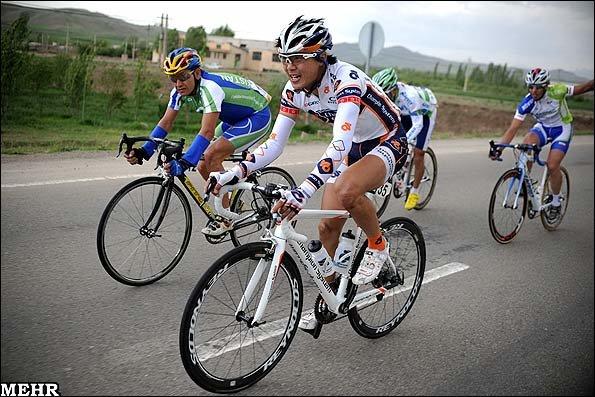 «پیشگامان یزد» قهرمان دوچرخه سواری كشور شد