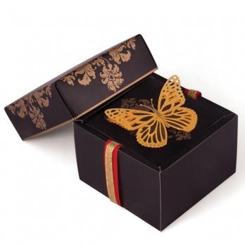 گل سینه پروانه ای بزرگ با روکش طلای 24 عیار