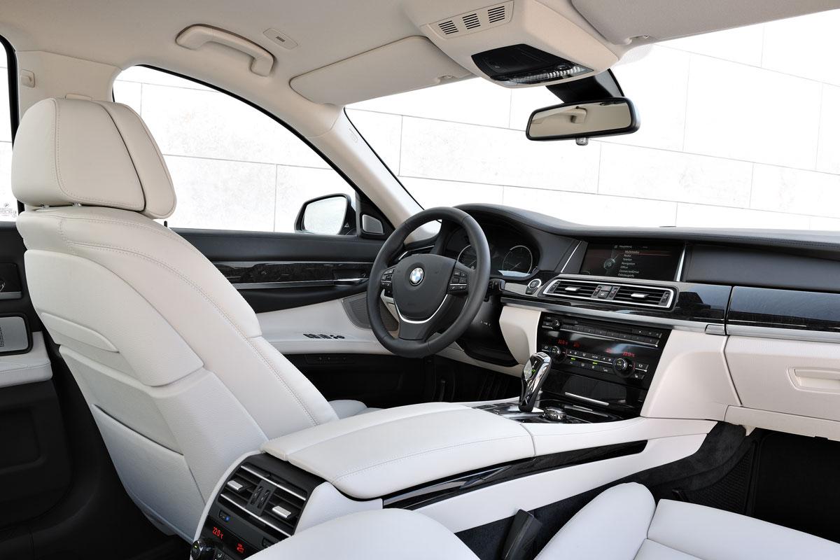 بی ام و مدل 730 دی 2012