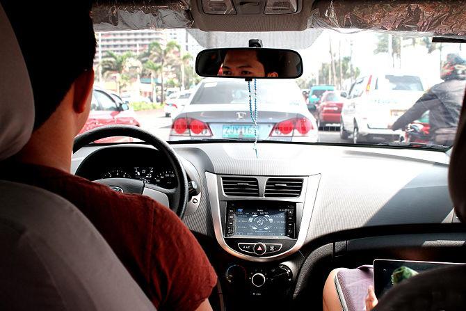 آیا می دانید در ترافیک سنگین چگونه می توانید رانندگی کنید؟