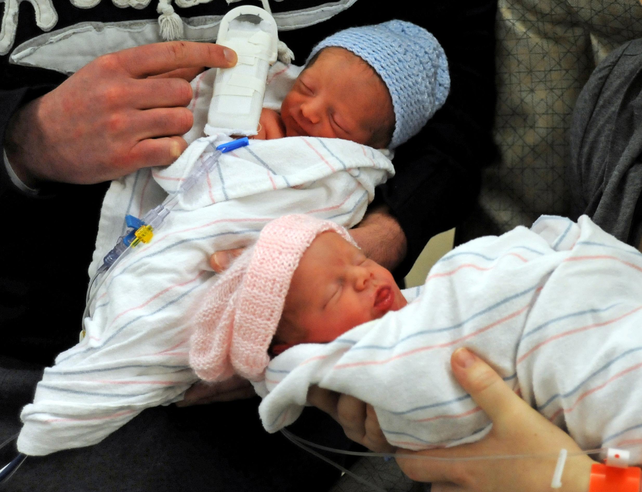 بارداری دوقلو