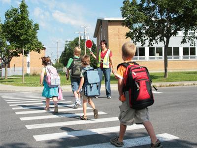 آموزش عبور از خیابان به کودکان