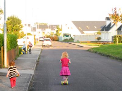 ،موزش عبور از خیابان به کودکان