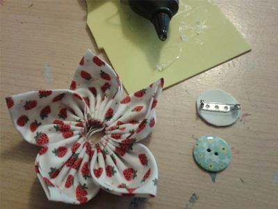 ساخت گلهای پارچهای