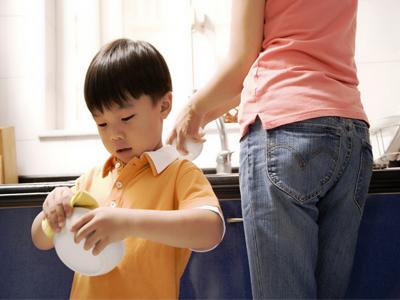 مشارکت کودکان در کارهای خانه